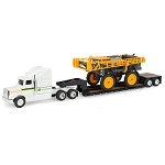 John Deere 1:64 scale Hagie STS12 Sprayer with Semi - 45633